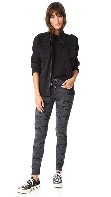 SUNDRY Skinny Camo Sweatpants