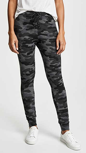 SUNDRY Camo Skinny Sweatpants
