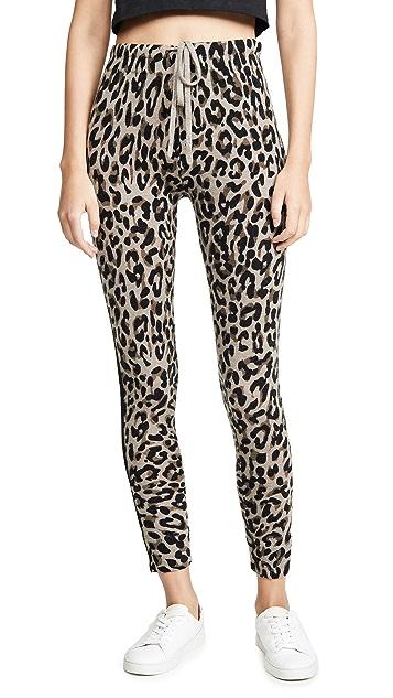 SUNDRY Уютные спортивные брюки с леопардовым принтом