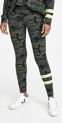 SUNDRY - Stripe Camo Yoga Pants