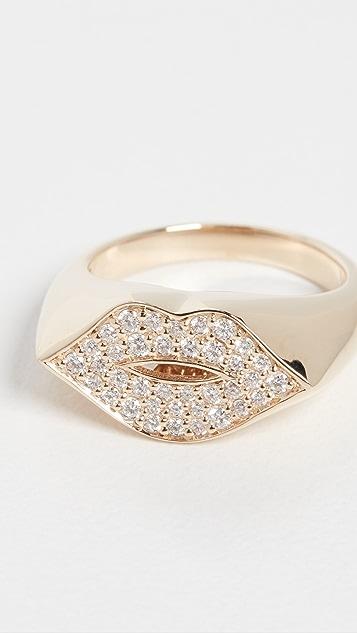Sydney Evan Lips Signet Pinky Ring