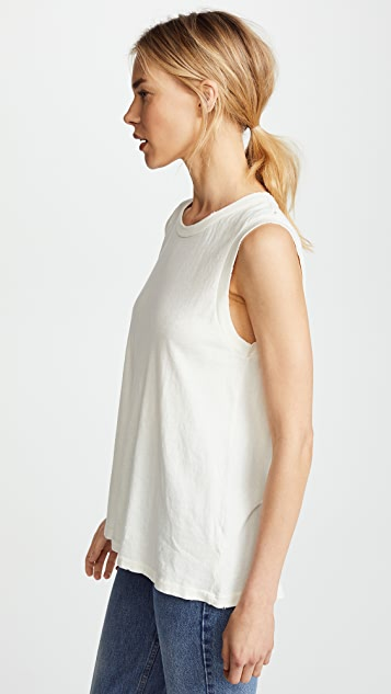 THE GREAT. The Sleeveless Crewneck