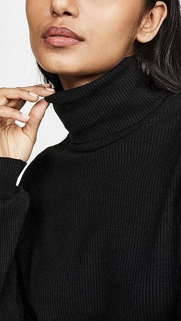 Tiger Mist Sugar Turtleneck Sweater