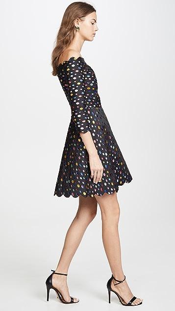 Tata Naka Зубчатое платье с открытыми плечами