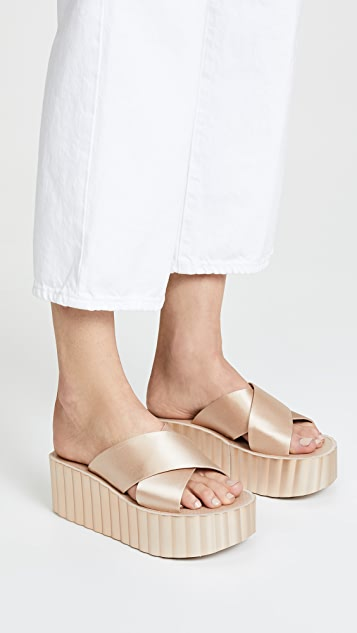 cd0c3af3e93 ... Tory Burch Scallop Wedge Flip Flop ...