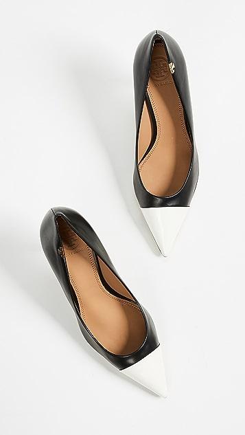 Tory Burch Туфли-лодочки с контрастным носком Penelope