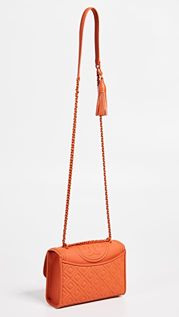 Tory Burch Матовая маленькая сумка-трансформер Fleming на ремне