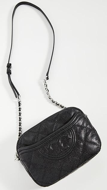 Tory Burch Мягкая сумка для фотоаппарата Fleming с эффектом поношенности