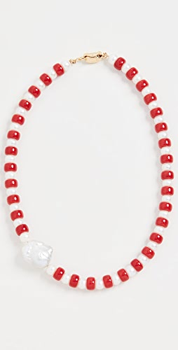 Timeless Pearly - Red Pearls Necklace with A Baroque Pearl