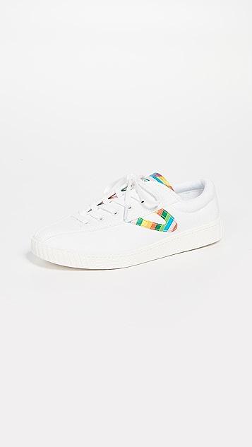 Nylite 28 Plus Sneakers