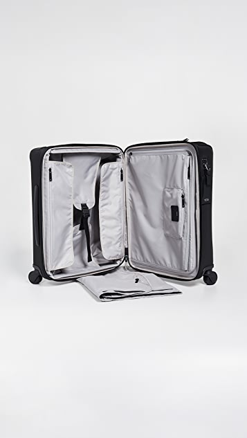 Tumi Larkin Abbey Continental  4 Wheel Carry On
