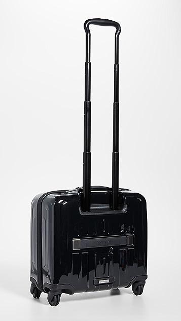 Tumi Дорожный чемодан Tumi V4