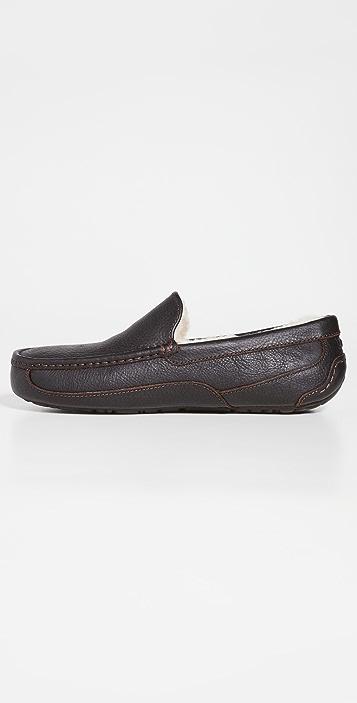 UGG Ascot Slippers