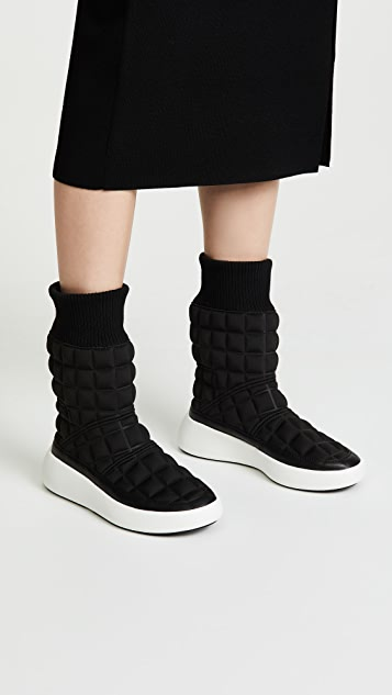 United nude bubble boot
