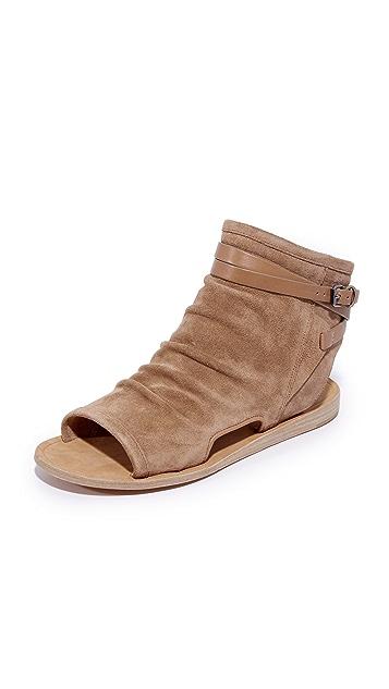 063082b467fe Vince Thalia Flat Sandals