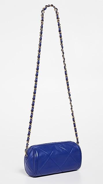 What Goes Around Comes Around Маленькая сумка-бочонок Chanel