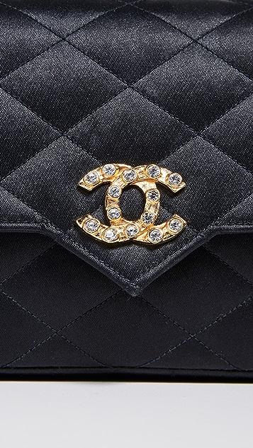 What Goes Around Comes Around Небольшая сумка Chanel с клапаном и кристаллами