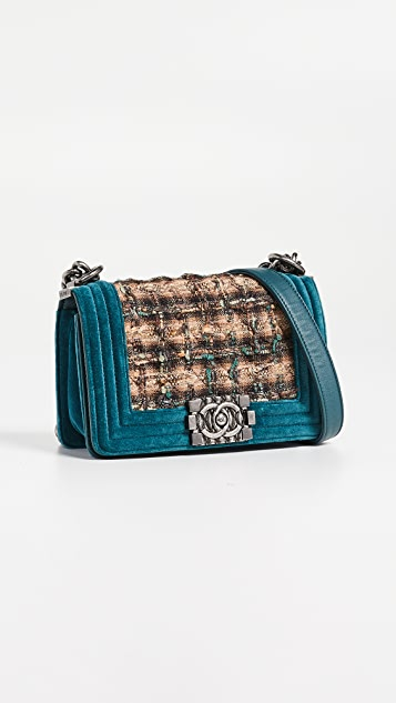 What Goes Around Comes Around Маленькая сумка Chanel Boy из зеленого твида