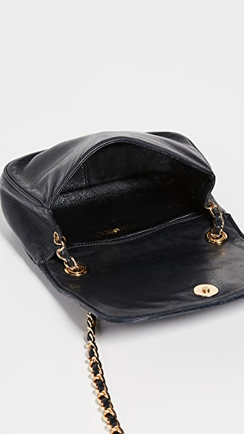 What Goes Around Comes Around Миниатюрная сумка с клапаном Tri-Border от Chanel