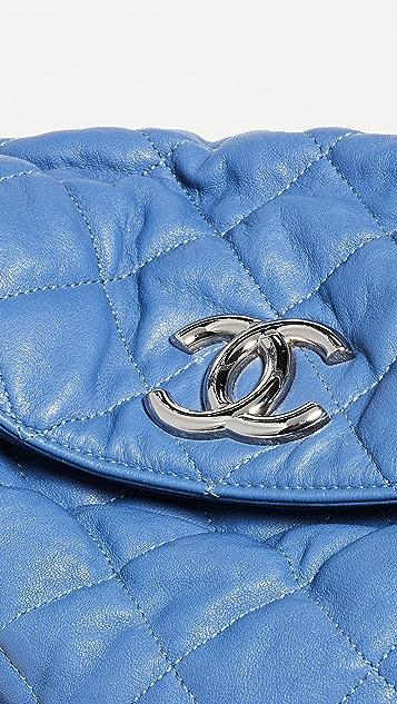 What Goes Around Comes Around Сумка-хобо Chanel с цепочками по периметру