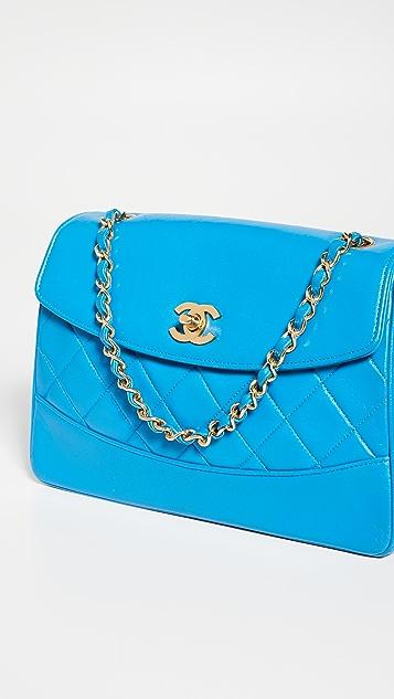 What Goes Around Comes Around Синяя сумка на ремне Chanel из кожи ягненка