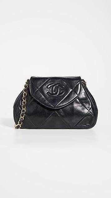 What Goes Around Comes Around Черная миниатюрная сумка на ремне Chanel