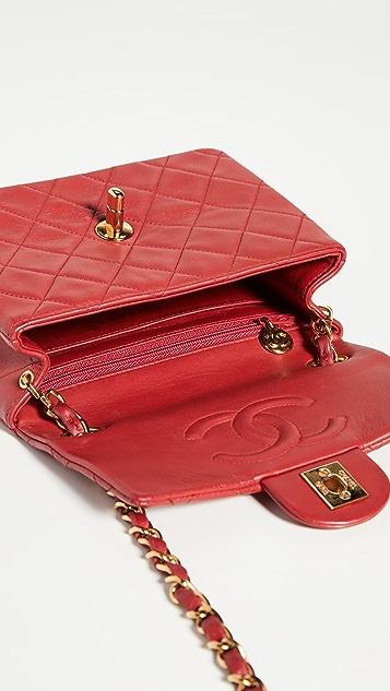 What Goes Around Comes Around Миниатюрная красная сумка Chanel с клапаном до половины длины из кожи ягненка