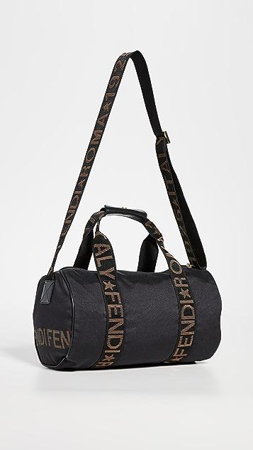 What Goes Around Comes Around Черная объемная сумка на ремне Fendi