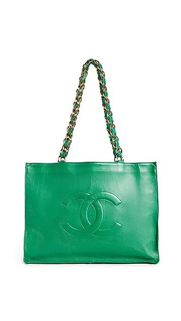 What Goes Around Comes Around Плоская объемная сумка с короткими ручками Chanel Technicolor из зеленой овечьей кожи