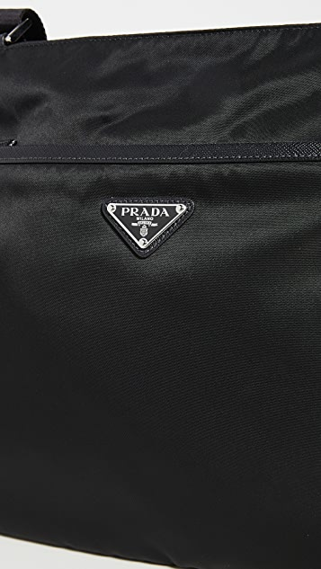What Goes Around Comes Around Prada 黑色尼龙信使包