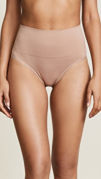 Seamlessly Shaped Ultralight Thong