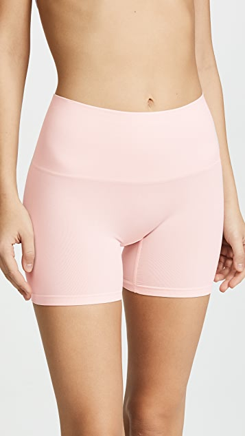 Yummie Seamlessly Shaped Shorts