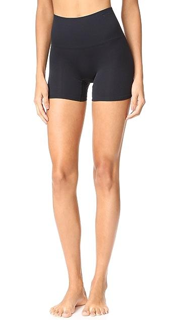 Seamlessly Shaped Ultralight Nylon Shorts by Yummie