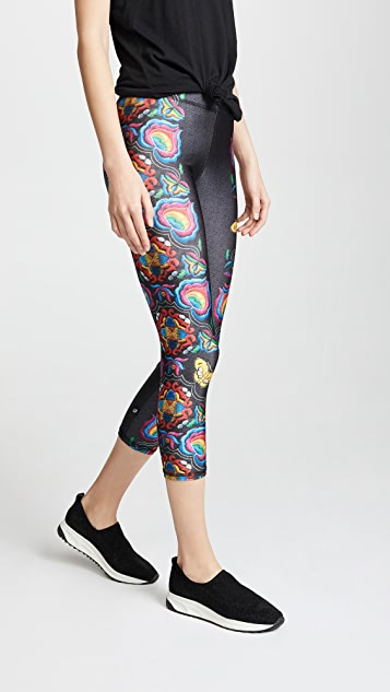 Terez Butterfly Stitch Performance Capri Leggings
