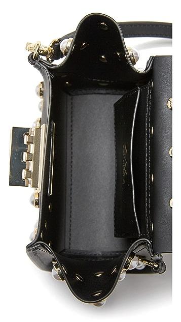 ZAC Zac Posen Миниатюрная сумка через плечо Eartha с ручкой сверху и отделкой искусственным жемчугом
