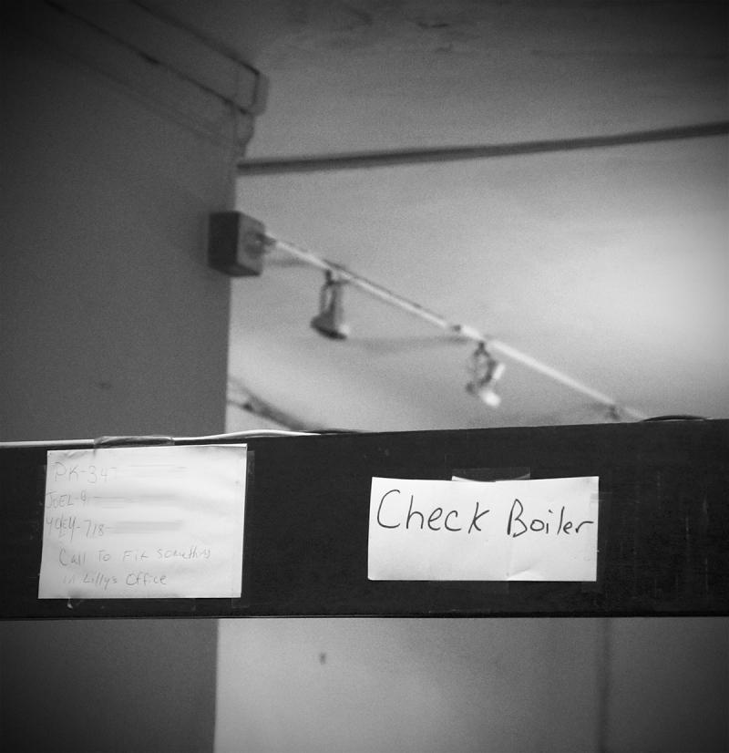 Chelsea-Desk-BW