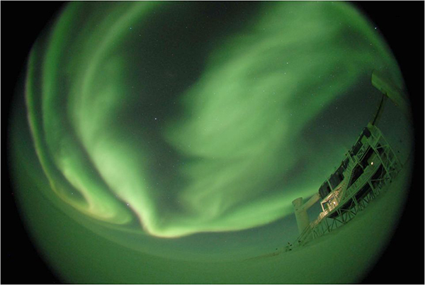Telescope-Ice-aurora