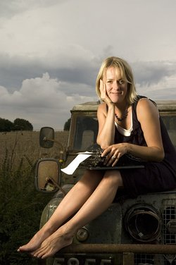 Jojo_Moyes_Authorphoto
