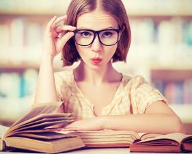 Hit the books - Binge read romance