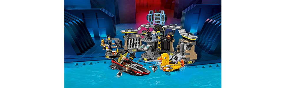 Amazon.com: THE LEGO BATMAN MOVIE Batcave Break-in 70909 Superhero ...