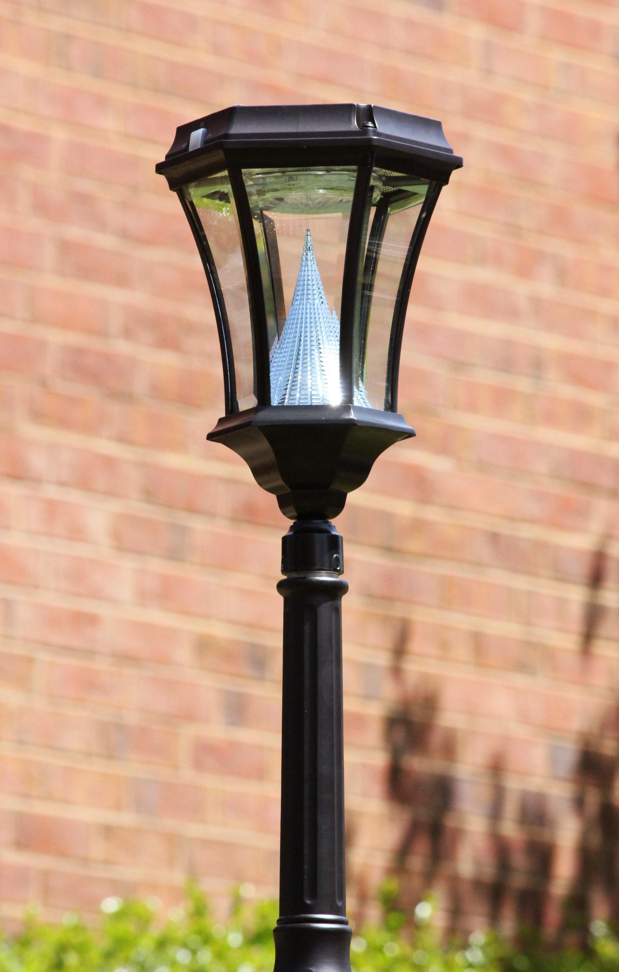 Amazon Com Gama Sonic Victorian Solar Lamp Post And
