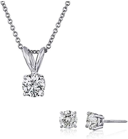 Up to 40% off on Diamond Necklaces, Studs and more