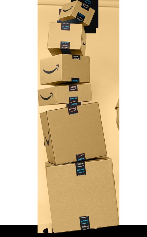 Pile de trois tailles différentes de colis Amazon prêts à être expédiés