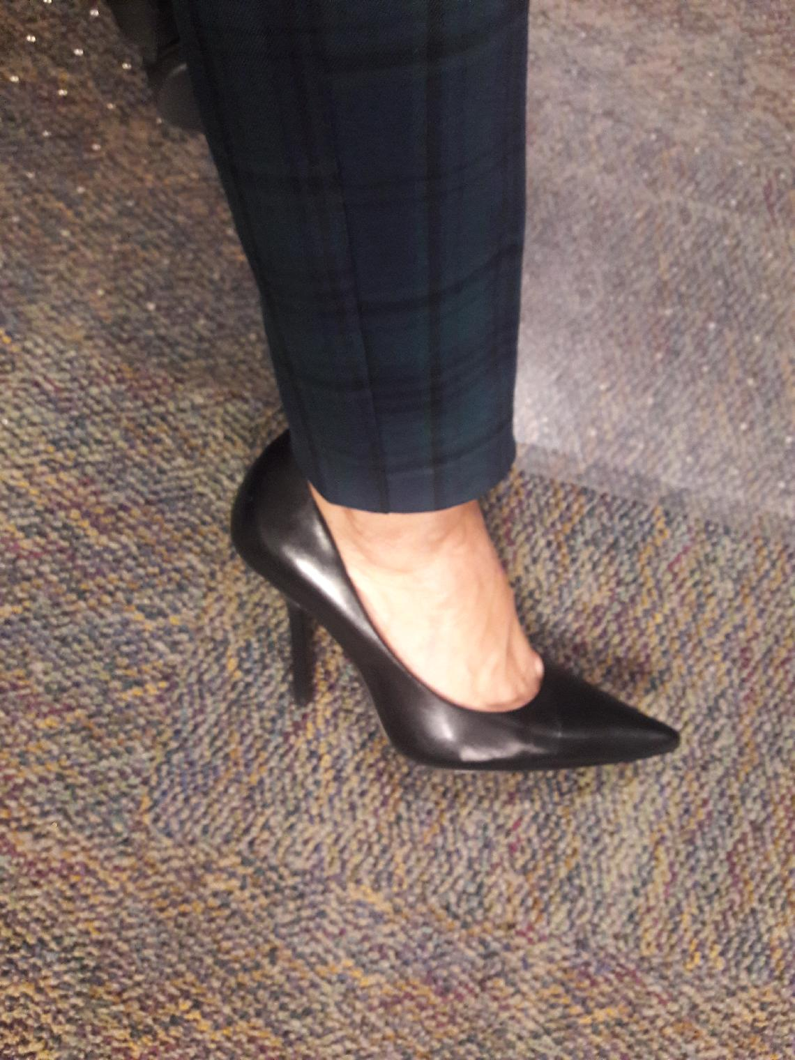 f35363a72edc GUESS Carrie at Zappos.com