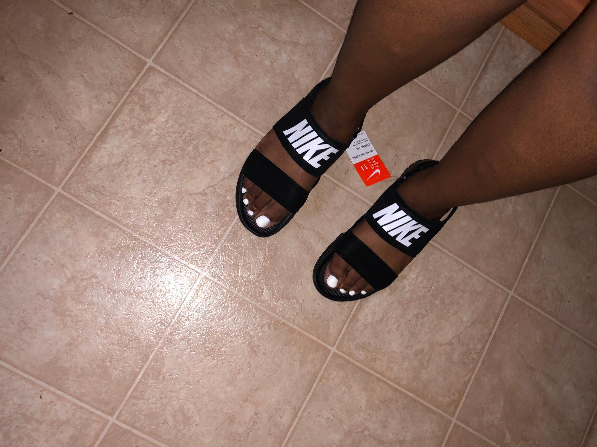 nike sandals wide