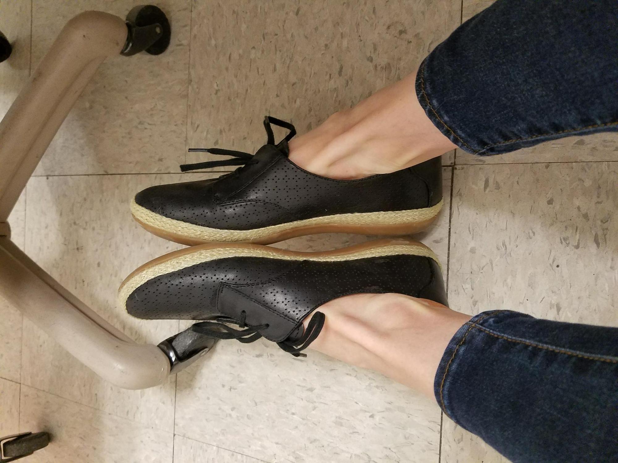 Clarks Womens Danelly Millie Sneaker