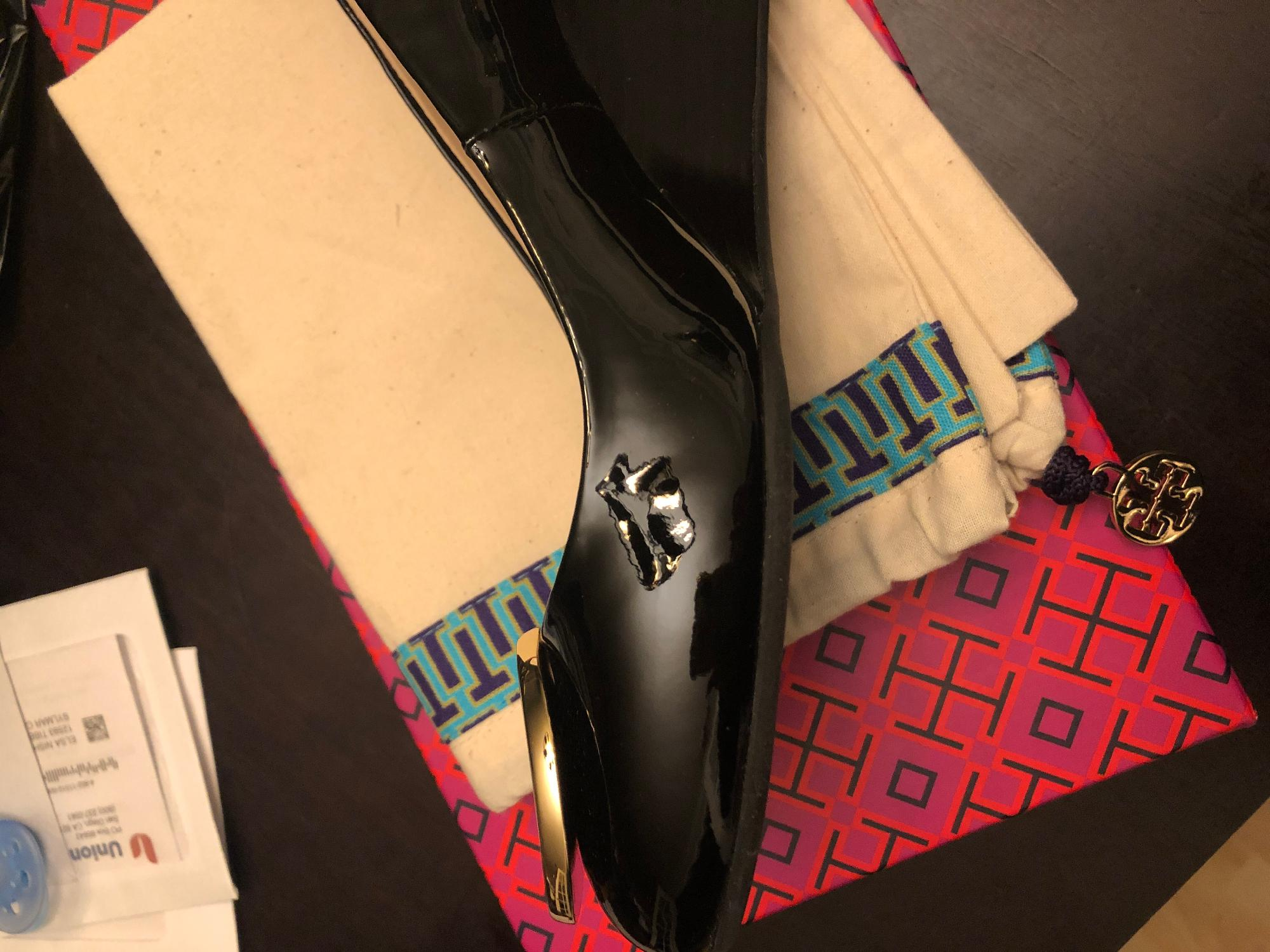 21fba6195a3 Tory Burch Chelsea 65mm Wedge at Zappos.com