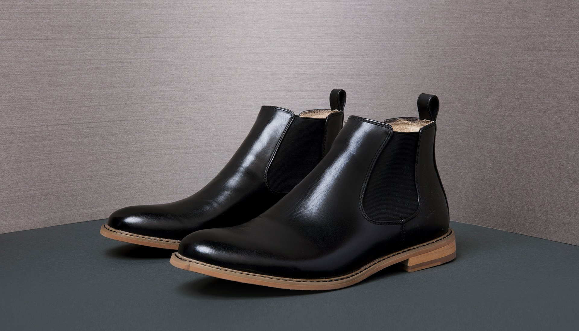 Image of a Men's dress boot