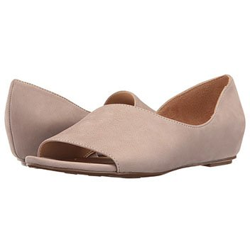 Image of a pink leather women's flat,
