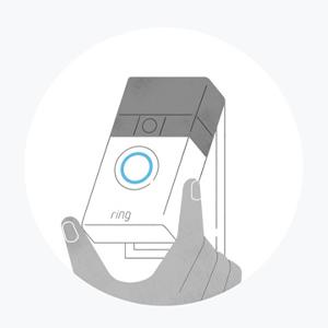 Lassen Sie Ring Video Doorbell in der Montagehalterung einrasten. Genießen Sie Sicherheit und Komfort.